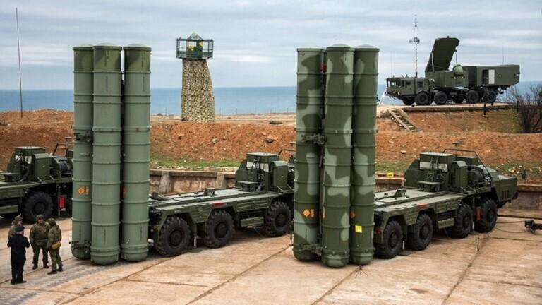 """منظومات صواريخ روسية من طراز """"إس-400"""""""