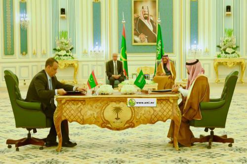 نتائج  اليوم الأول من زيارة رئيس الجهمورية إلى السعودية