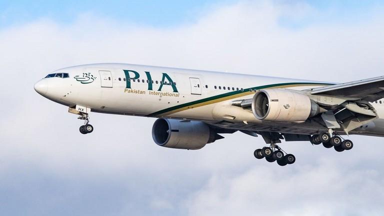 طائرة تابعة للخطوط الجوية الباكستانية الدولية