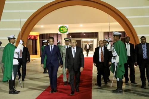 5 وزراء يرافقون رئيس الجمهورية في زياته الأولى إلى السعودية (أسماء)