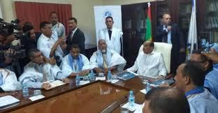 عزيز في اجتماع سابق بلجنة تسيير الحزب الحاكم