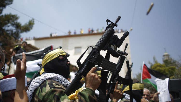 مقاتل فلسطيني في بلدة الرام بالضفة الغربية