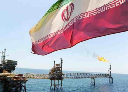 الهند تؤكد التوقف عن شراء النفط الايراني التزاما بالعقوبات الاميركية