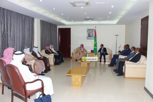 وزير التجارة والاستثمار السعودي خلال لقاء الوزير الأول به