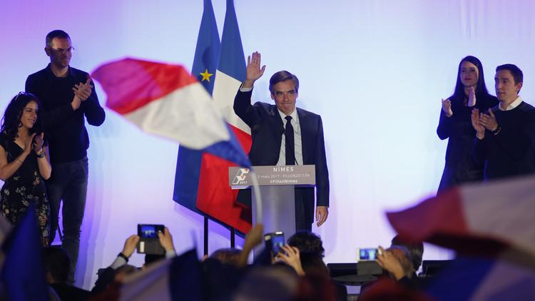 تجمع ضخم لمؤيدي فيون في باريس