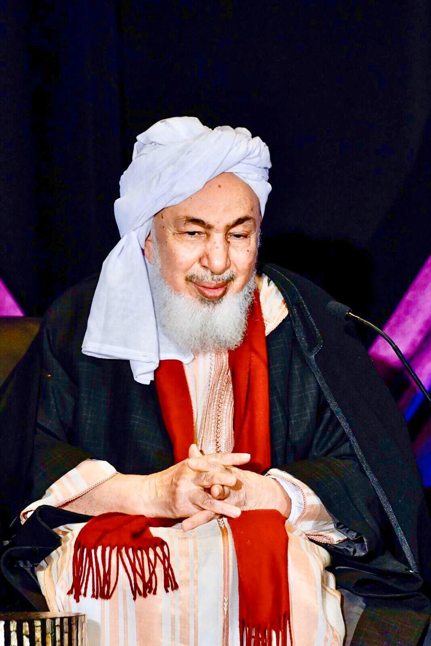 الشيخ عبد الله بن بيه رئيس منتدى تعزيز السلم