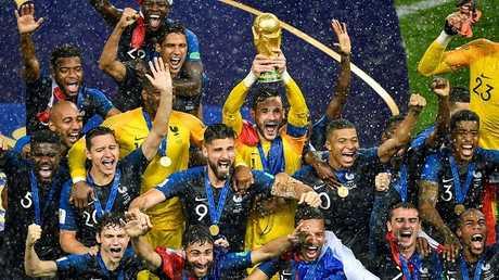 """فرنسا.. شغب في باريس بعد فوز """"الديكة"""" بكأس العالم  (فيديو)"""