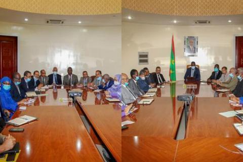 الوزير خلال اجتماعه بالأمناء العامين (الوكالة)