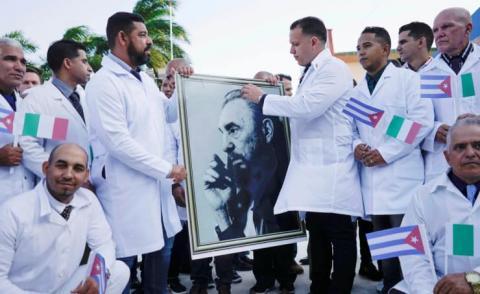 فريق من عشرات الأطباء الكوبيين لمساعدة إيطاليا