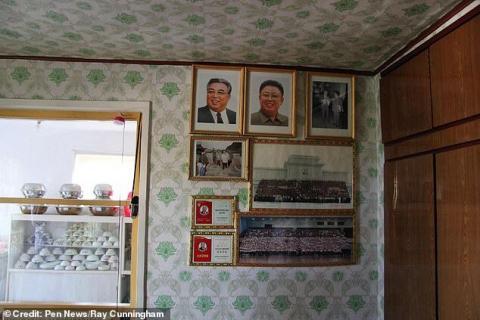 """كوريا الشمالية.. أم تواجه السجن بعد أن أنقذت طفليها من حريق وتركت صور """"الزعماء""""!"""