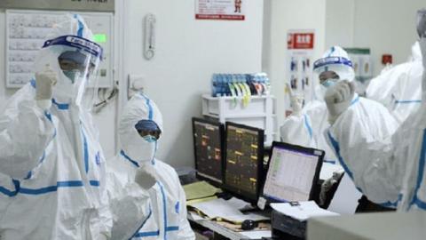 """خبراء صينيون: تحديد المصدر الحقيقي لانتشار فيروس """"كورونا"""" الجديد"""